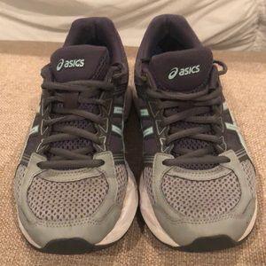 Women's Asics tennis shoes size 7